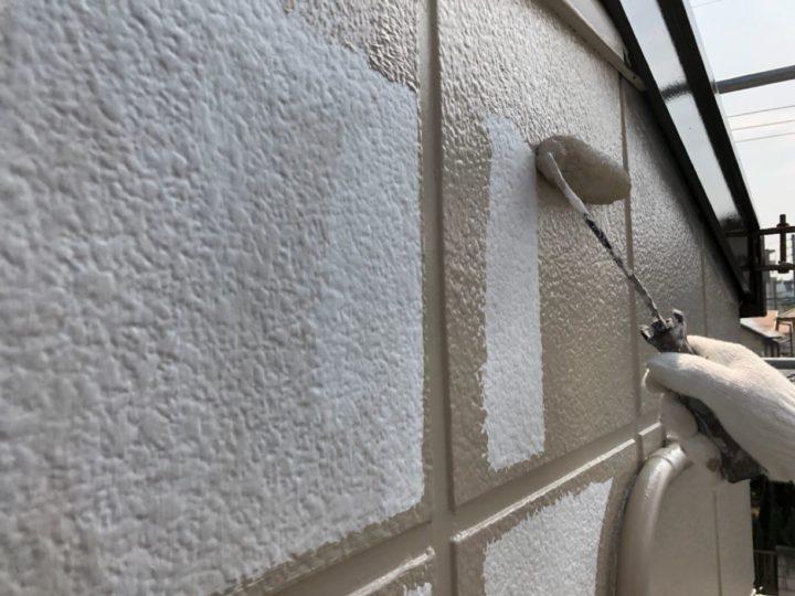 外壁下塗り⇒中塗り工程