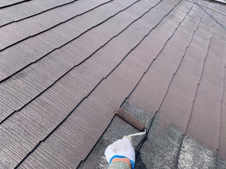 屋根:中塗り作業