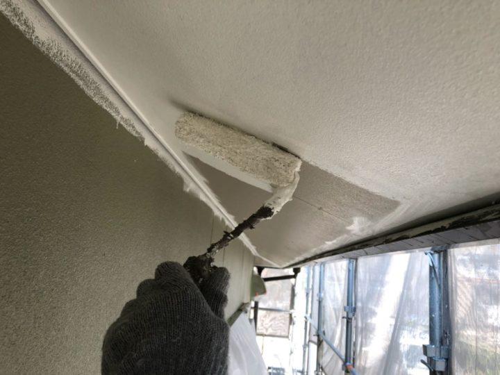 軒天 塗装作業