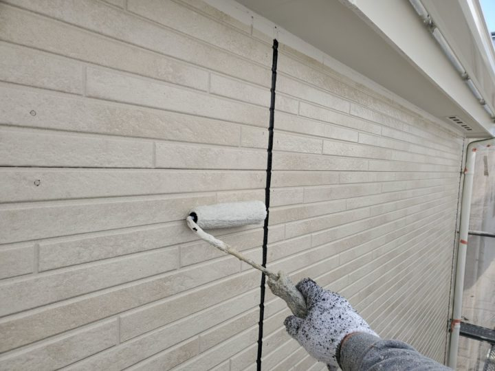 外壁 下塗り作業