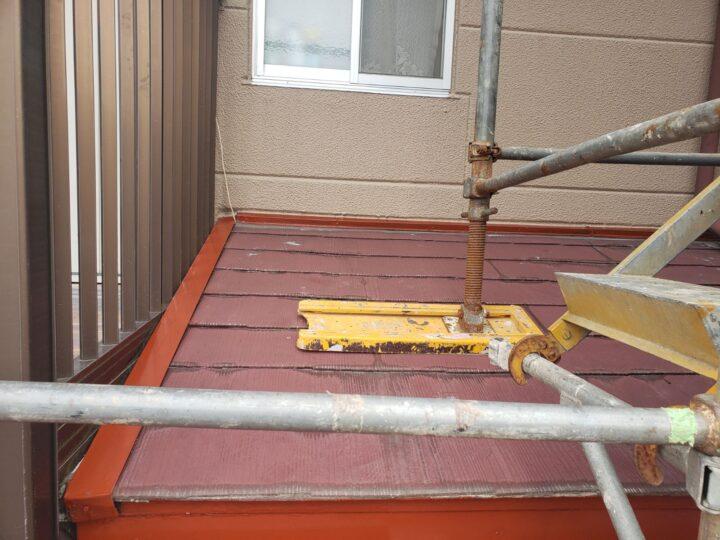 屋根 板金部サビ止め塗装作業