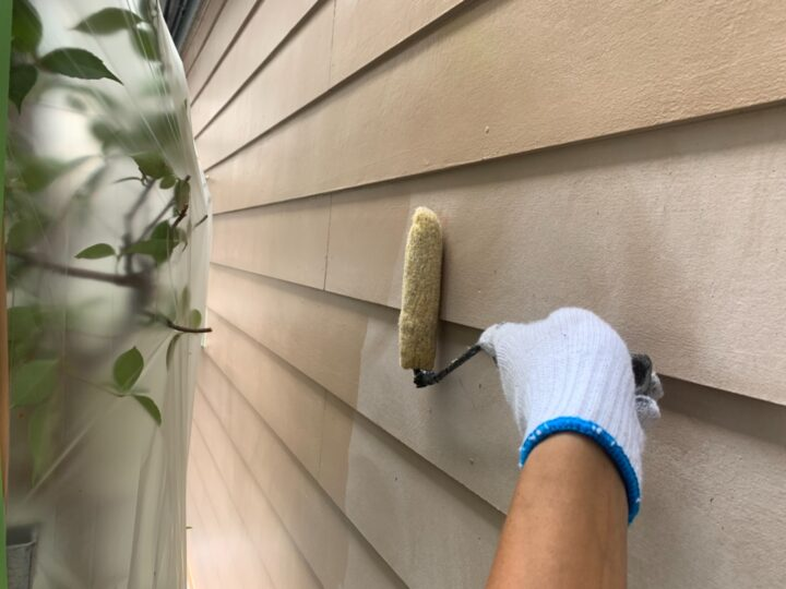 ガレージ外壁 下塗り作業