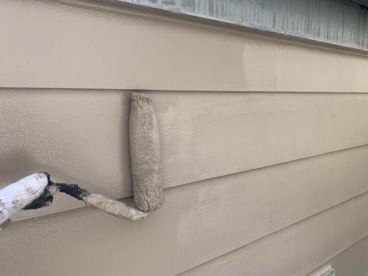 ガレージ外壁 上塗り作業