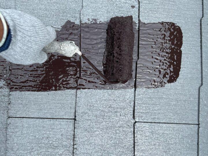 屋根 中塗り作業